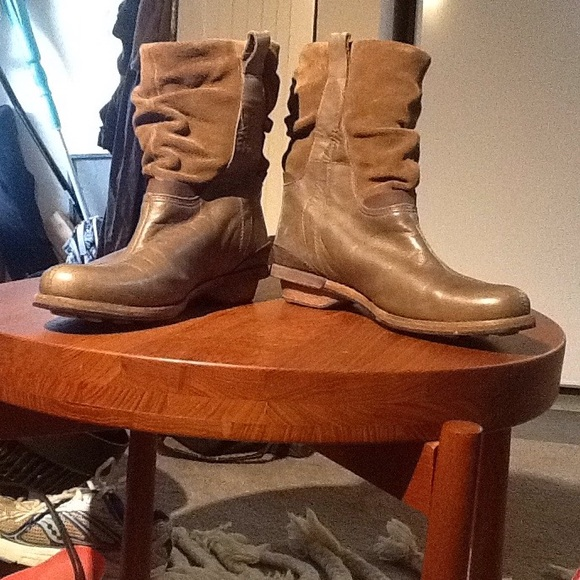 Patagonia Shoes - Gorgeous Patagonia Addie ankle boot!